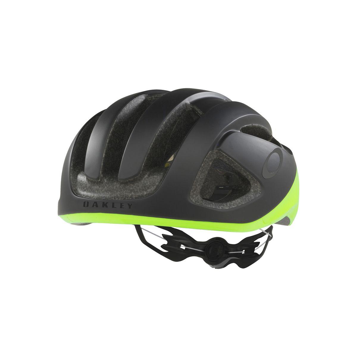 Oakley ARO3 helm test